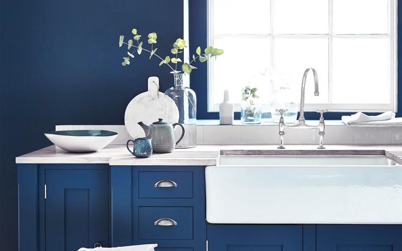 Синяя кухня —необычная, яркая и такая разная