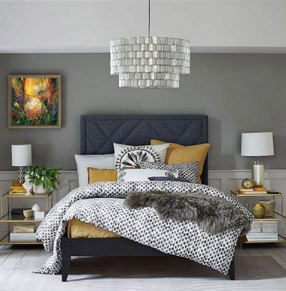 Оформление кровати подушками