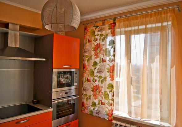 Кухня в оранжевых тонах
