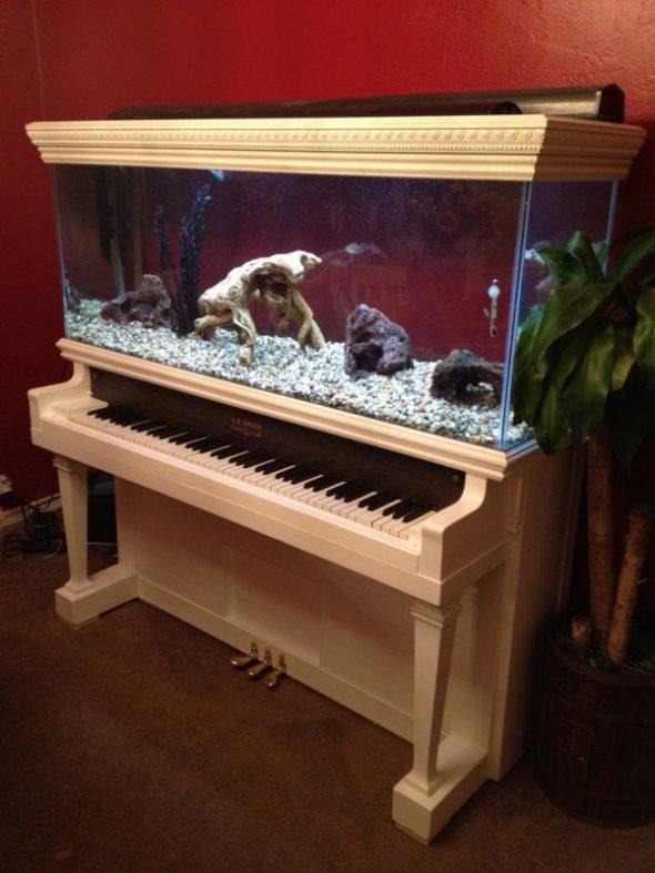 Аквариум из пианино
