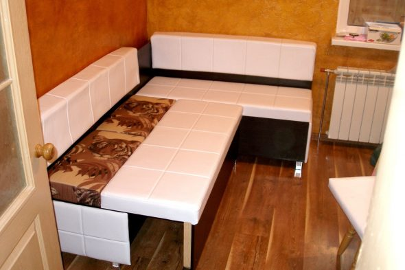 Скрытое спальное место на кухне