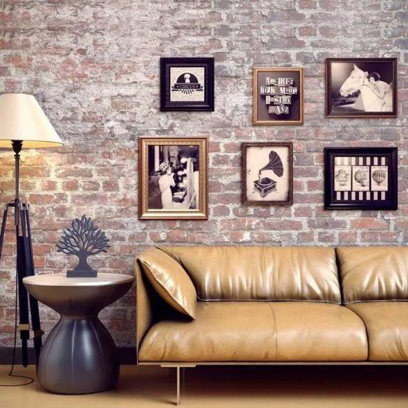 Фото в рамках на стене