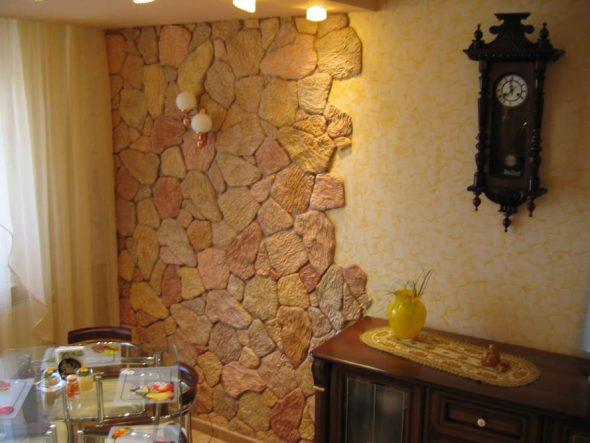Декорирование стены камнем