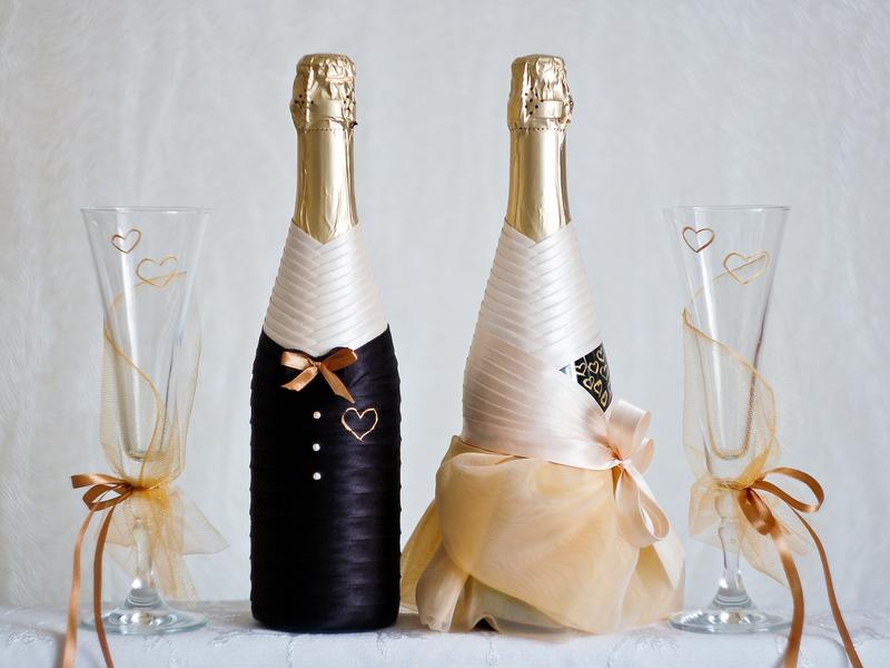 Украшаем шампанское лентами: 14 фото для вдохновения