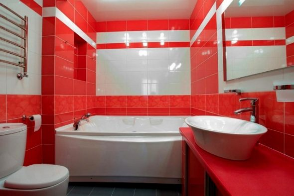 Ванная красно-белая