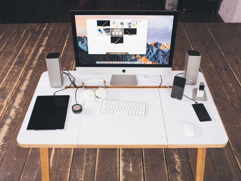 Как спрятать провода на столе: эффективные способы