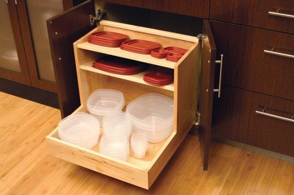 Контейнеры для еды на кухне