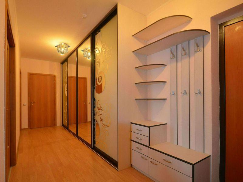 Стильная прихожая в узкий коридор: классные идеи