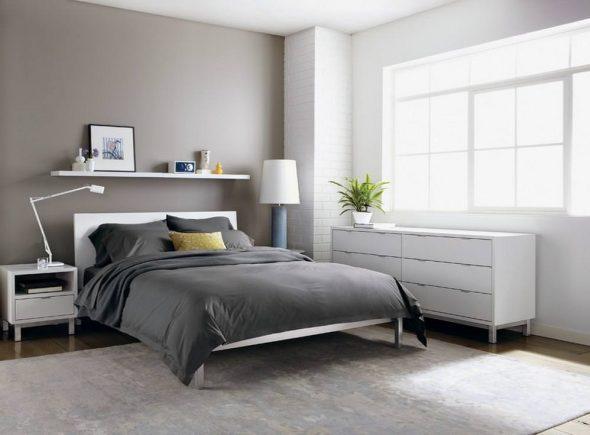 белая мебель и серые стены