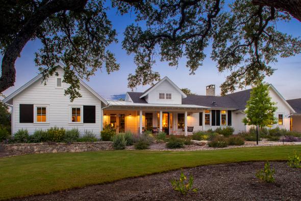 Одноэтажный дом в классическом американском стиле