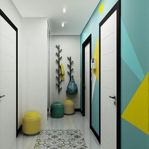 Абстрактный рисунок в коридоре