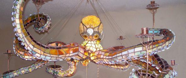 Люстра в виде осьминога