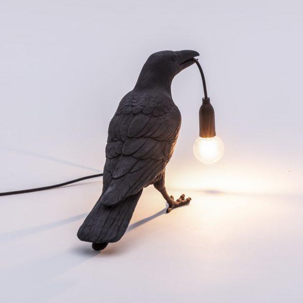 Светильник в виде ворона