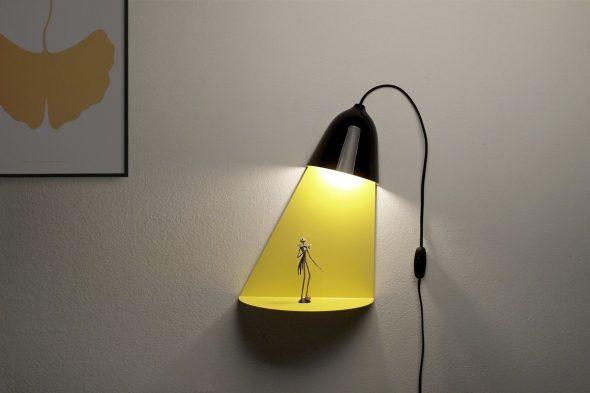 Необычная лампа с человечком