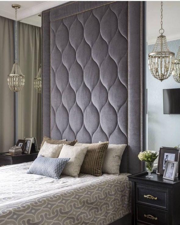 Оформление стены за кроватью мягкими панелями