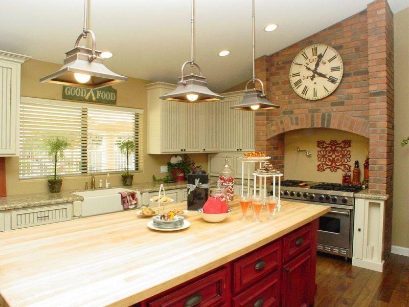 Что повесить на стену в кухне: фото-рекомендации дизайнеров.
