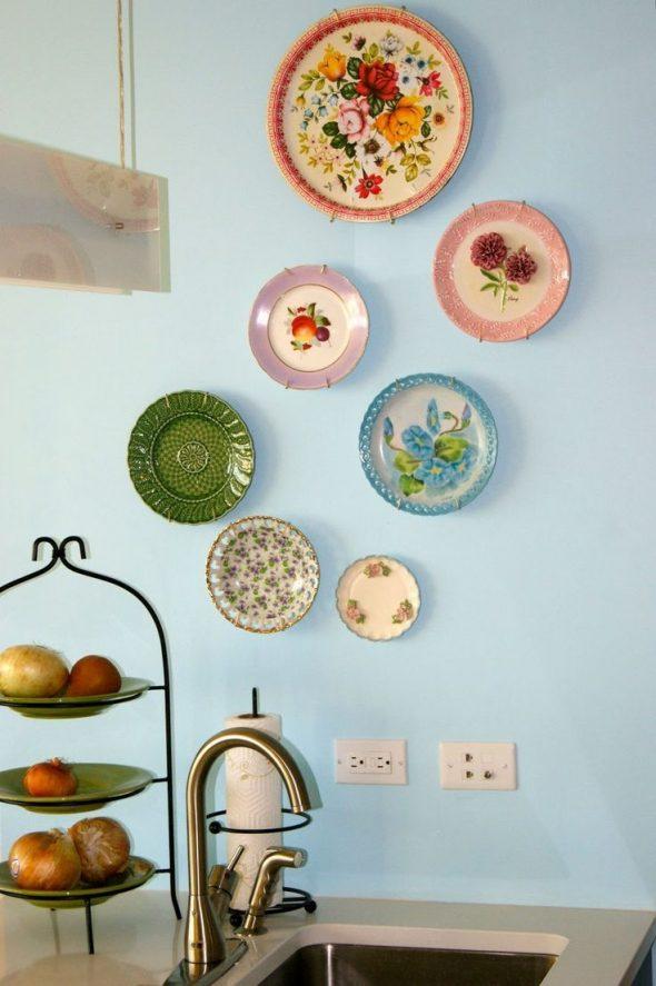 Декоративные тарелки в цветочном стиле