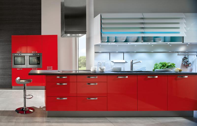 Красная кухня: как приручить алый цвет