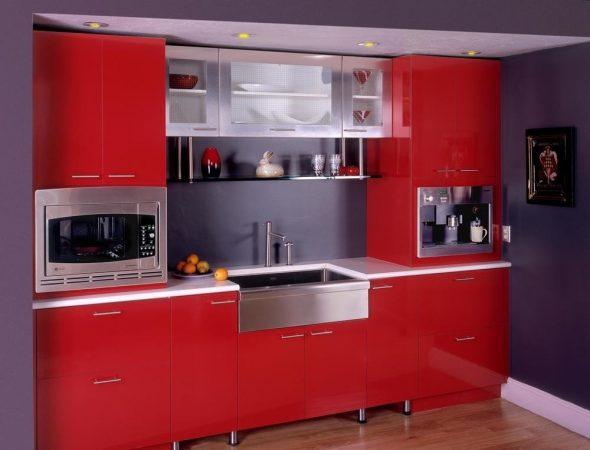 Кухня в красном и сером цвете