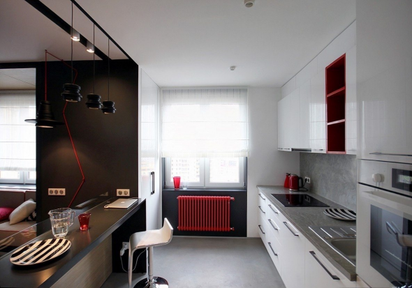 Красные акценты на кухне