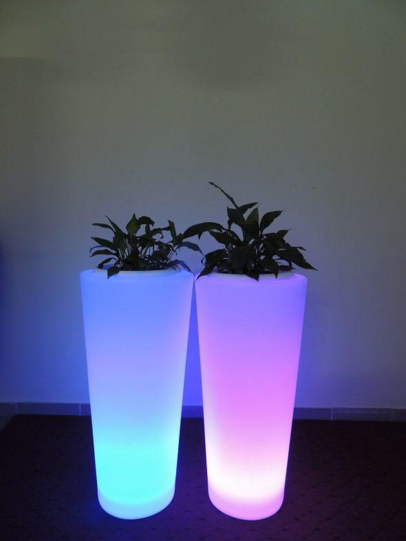 Светящиеся кашпо для растений