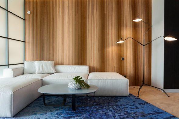 Деревянные рейки в оформлении гостиной