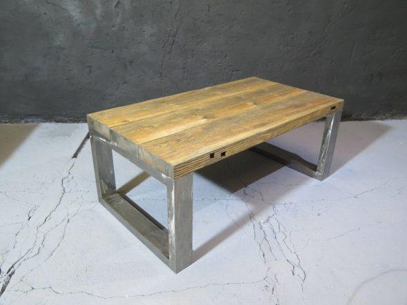 Столик в стиле лофт