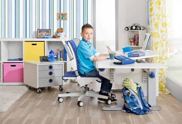 Детский стол для школьника