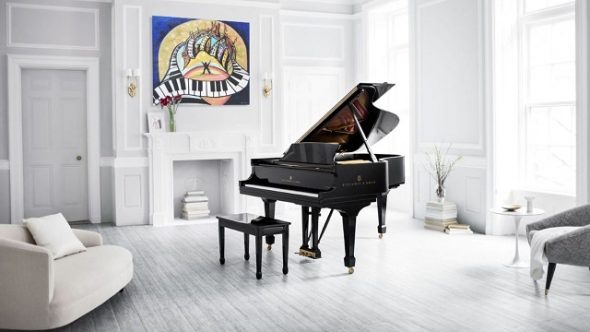 Рояль в комнате