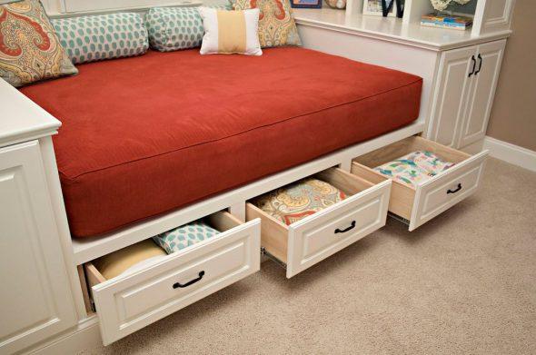 Диван кровать с выдвижными ящиками