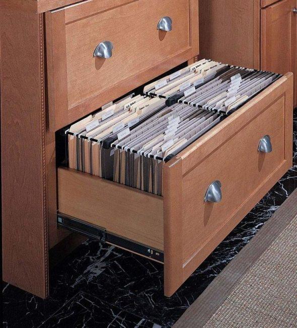 Хранение документов в ящике комода