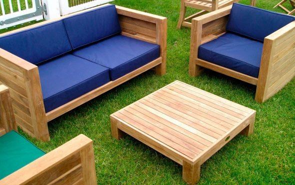 Диван и два кресла для сада