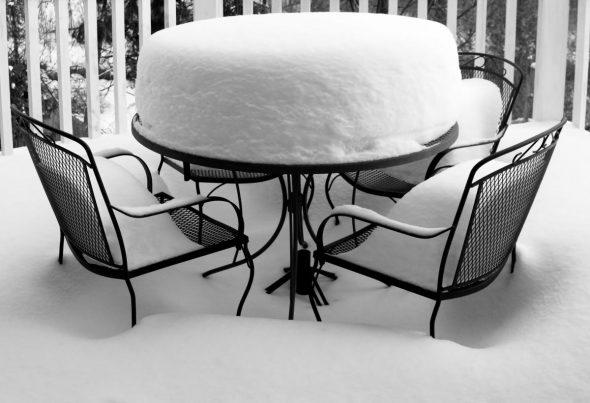 Кованая мебель в зимнем саду