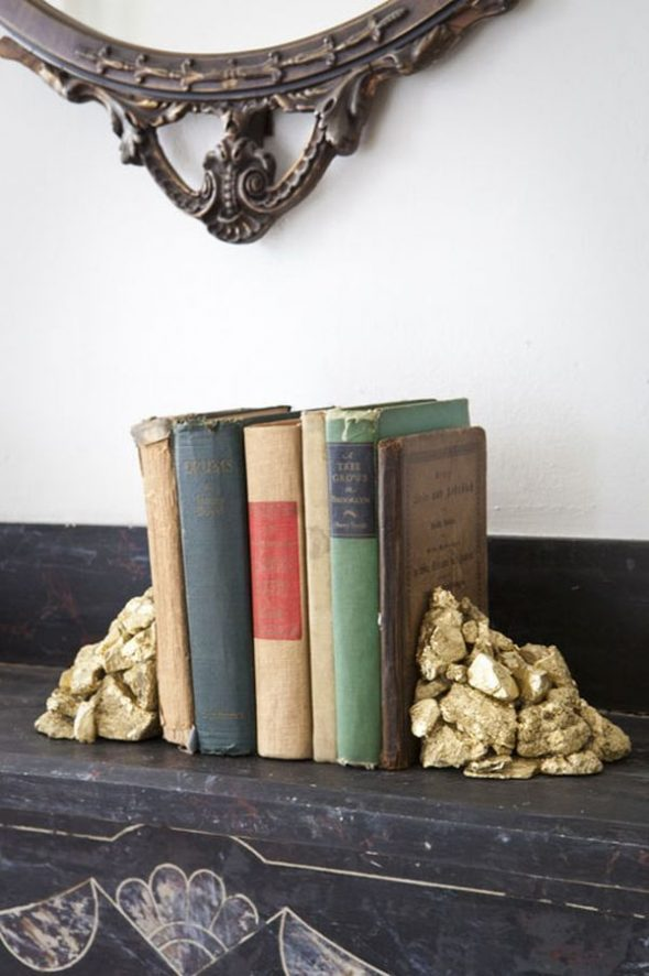 Держатели для книг из камней