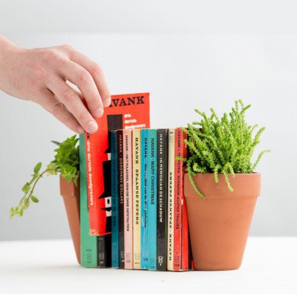 Держатели для книг из цветочных горшков