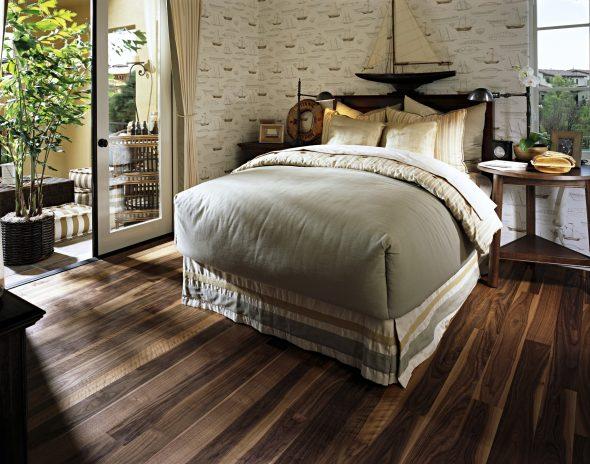 Дубовый пол в спальне стиля кантри