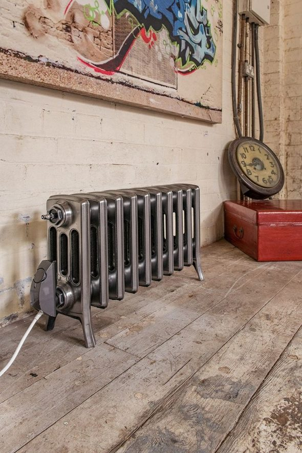 Батарея в интерьере лофт