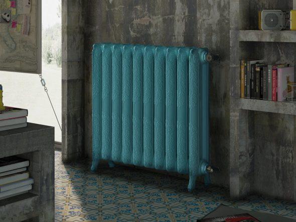 Голубая батарея в интерьере