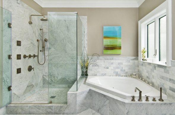 Размещение ванны и душа в санузлеРазмещение ванны и душа в санузле