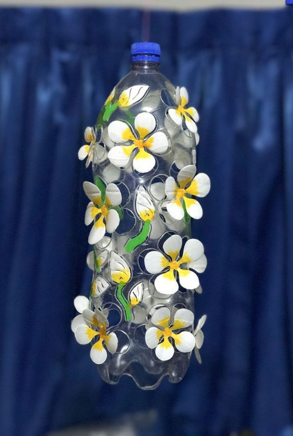 Бутылка с цветочным декором