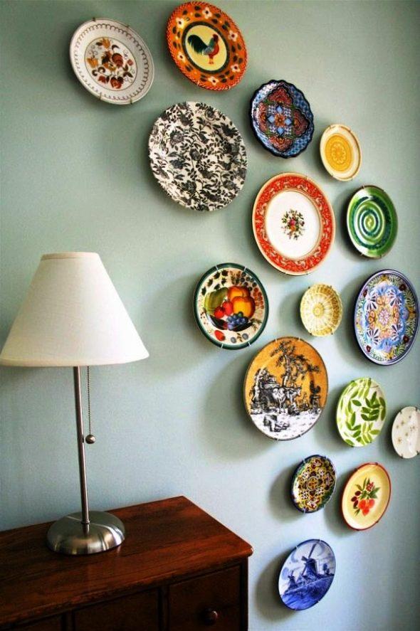Декорированные разными способами тарелки