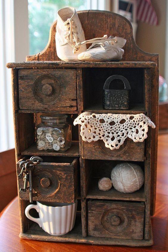 Винтажные предметы интерьера из дерева