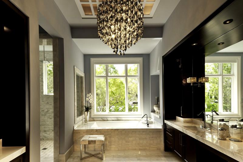 Люстра в ванной комнате: идеи для вдохновения