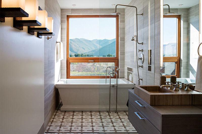 4 лучших способа визуально расширить узкую ванную