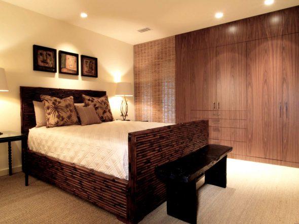 Кровать в спальне из бамбука