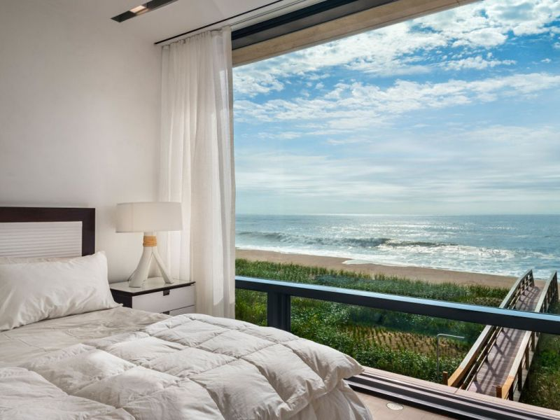 Спальня с видом на море: впечатляющая красота