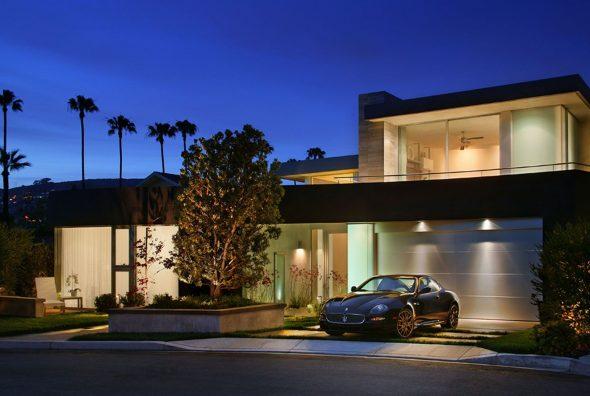 Дом с гаражом в Калифорнии