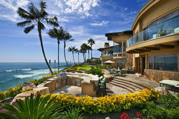 Дом в Калифорнии у океана