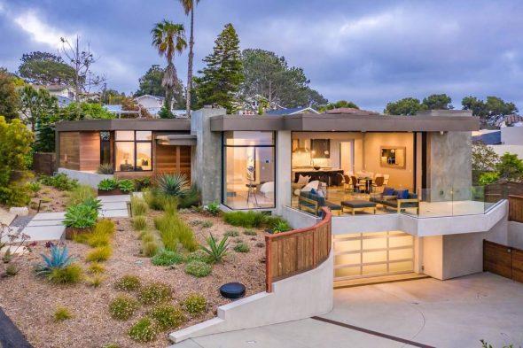 Дом в Калифорнии с панорамными окнами