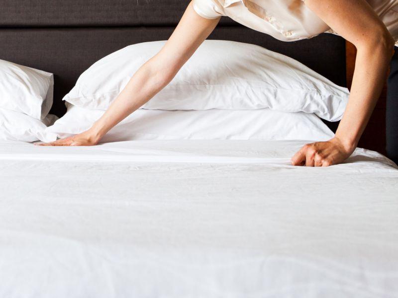 Почему стоит заправлять постель